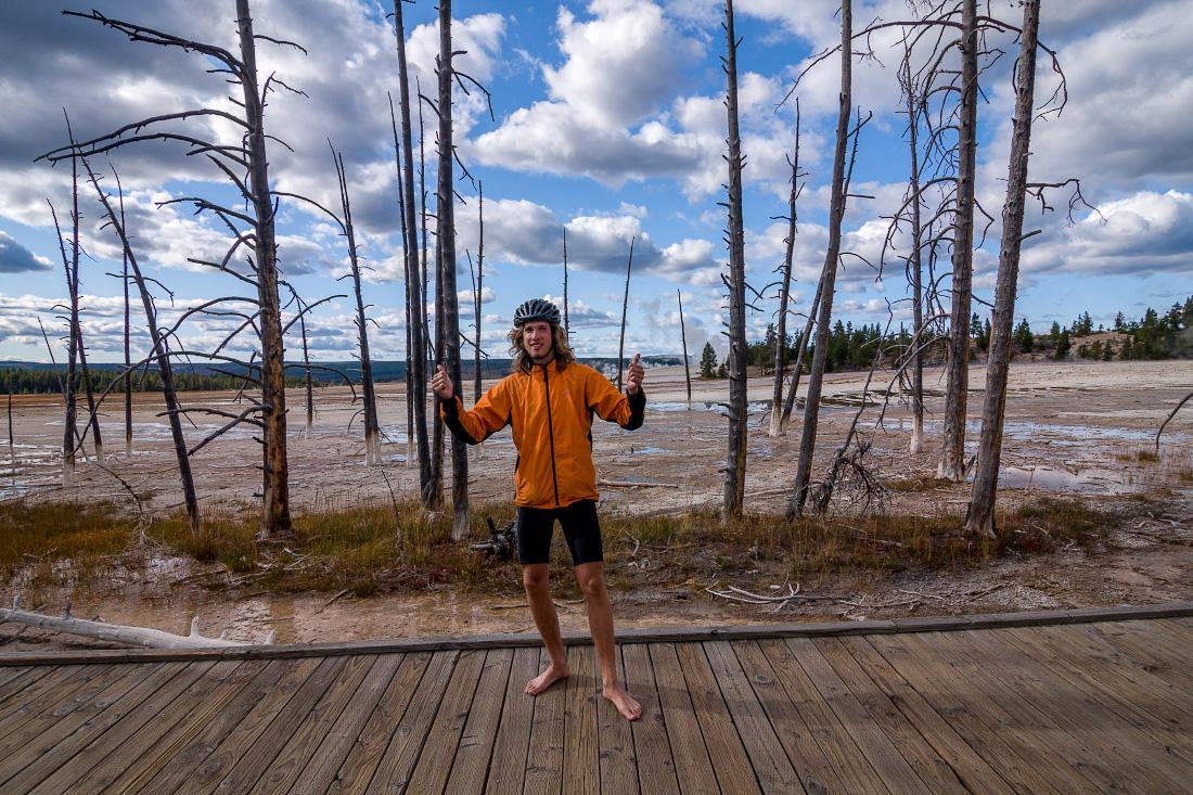 Путешествие на велосипеде в одиночку по США. Национальный парк Йеллоустоун. Solo trip on bike. Yellowstone National Park
