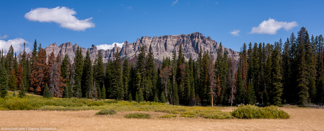 Скалистые горы в США. Вайоминг. Фото из путешествия на велосипеде в одиночку. Rocky mountains in USA. Wyoming