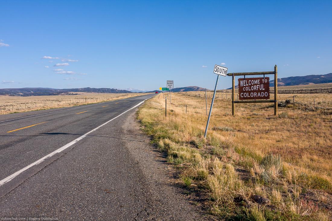 Добро пожаловать в Колорадо! Одиночное велопутешествие по Америке. Welcome to colorful Colorado sign.