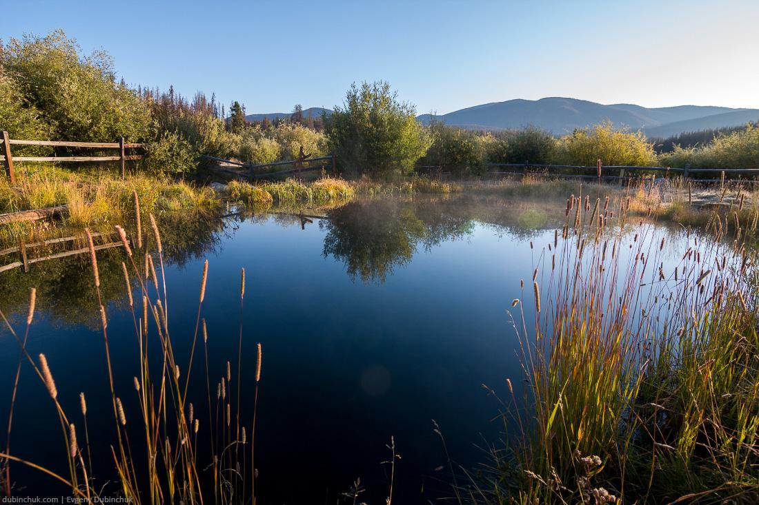 Пруд в Национальном парке Роки-Маунтин. Велопробег по Дикой Америке. Pond in Rocky Mountain National Park, USA