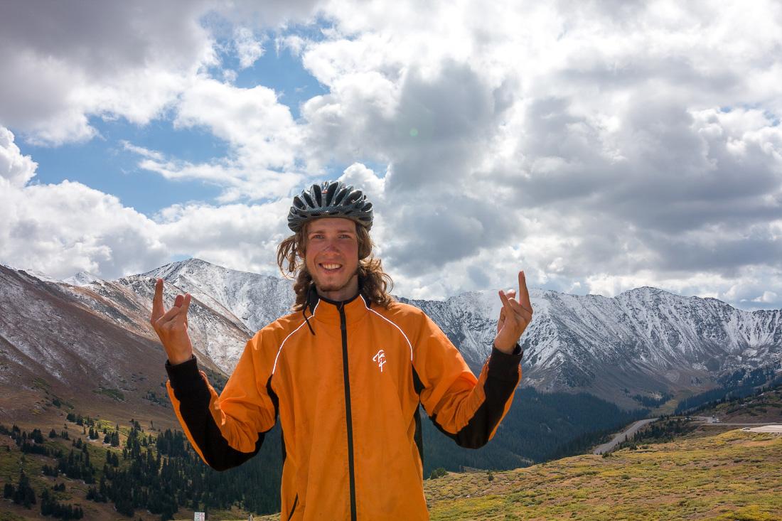 Путешествие на велосипеде в одиночку по Америке. Перевал Loveland pass, Colorado. Solo cycling trip in USA