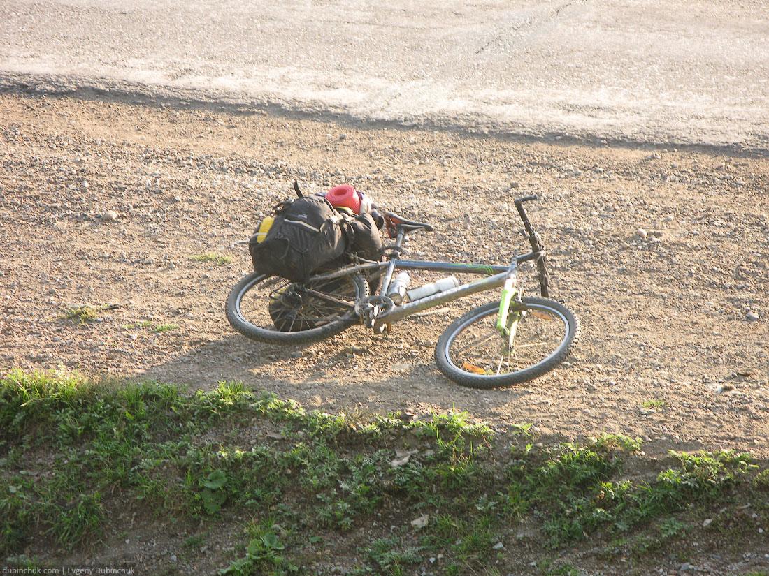 Велосипед туриста на отдыхе. Уральские пейзажи. Отчет о путешествии на велосипеде в одиночку по Уралу