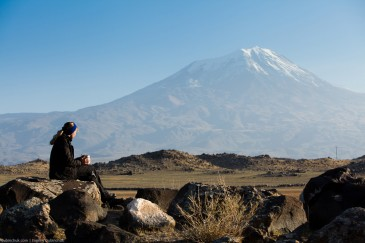 Traveller with cup of tea at Mount Ararat in Turkey