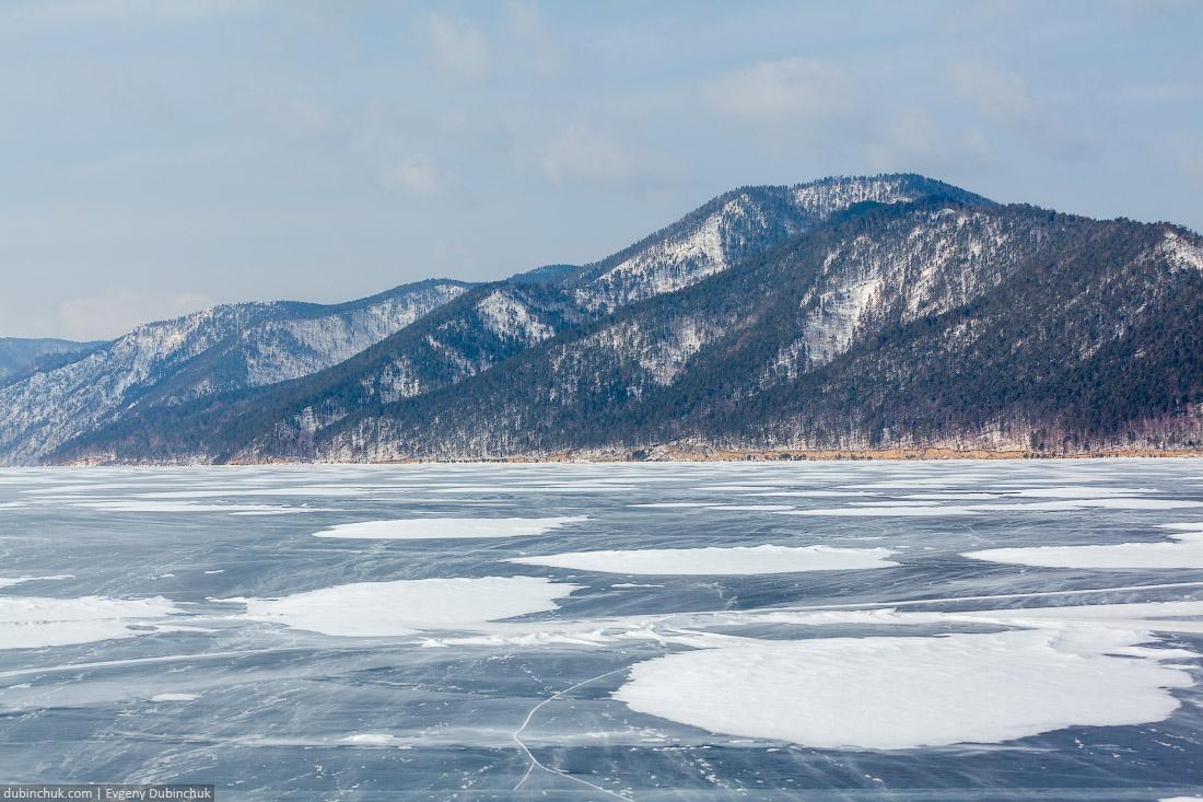 Байкал зимой. Снежные островки на льду. Путешествие на Байкал на коньках. Winter Baikal.