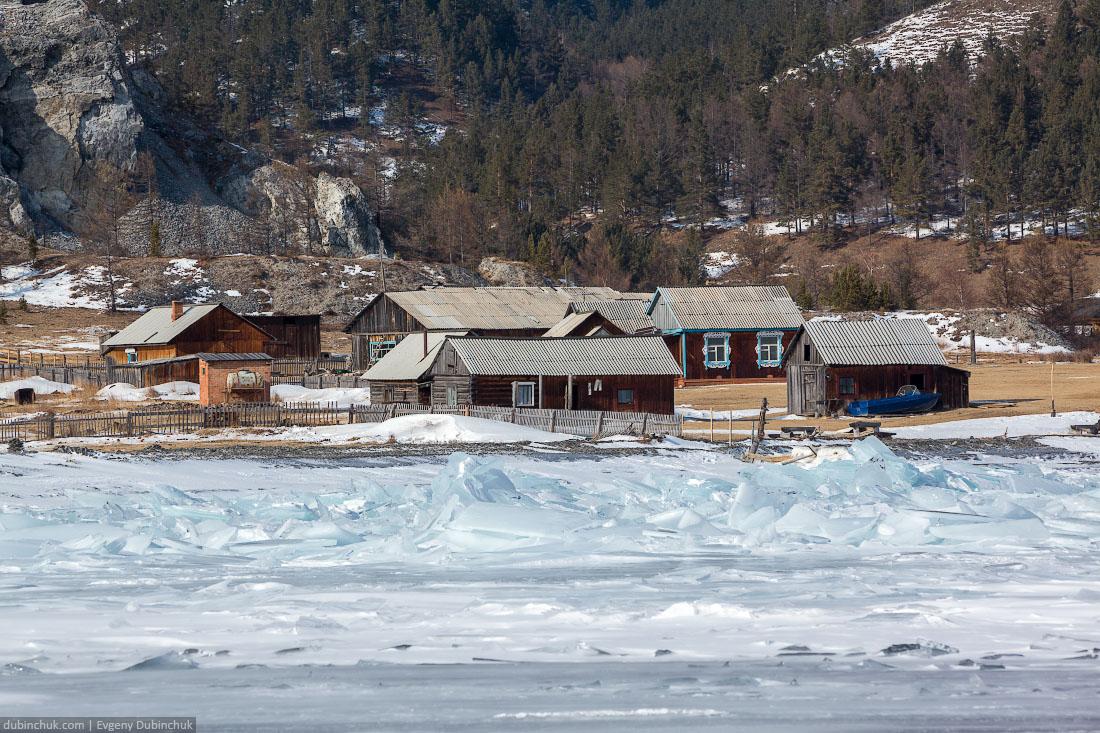 Мыс Кадильный. Ледяные торосы. Путешествие на Байкал на коньках. Ice hummocks. Ice skating trip on Baikal lake.