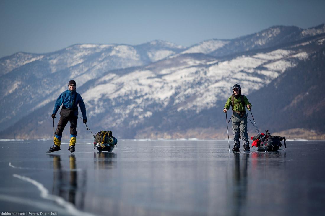 Путешествие на Байкал на коньках. Ice skating tour on Baikal lake