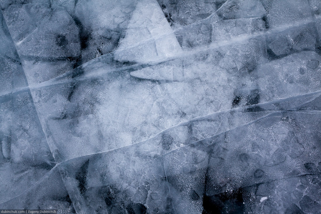 Чистый лед Байкала. Удивительные ледяные узоры. Путешествие на Байкал на коньках. Ice pattern on Baikal. Ice skating tour on Baikal lake in winter