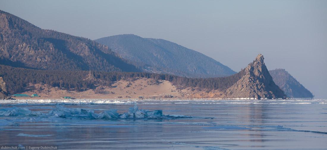 Путешествие по Байкалу на коньках. Бухта Песчаная. Baikal ice skating tour