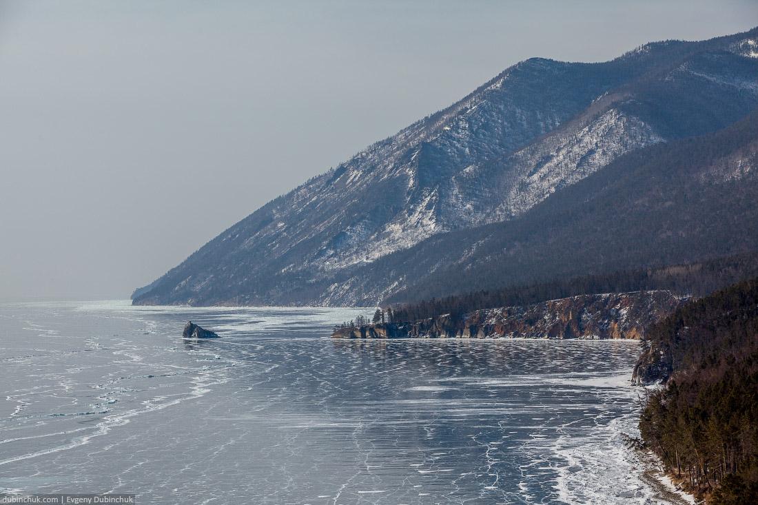 Бакланий камень с высоты птичьего полета. Путешествие по Байкалу на коньках. Lake Baikal in winter
