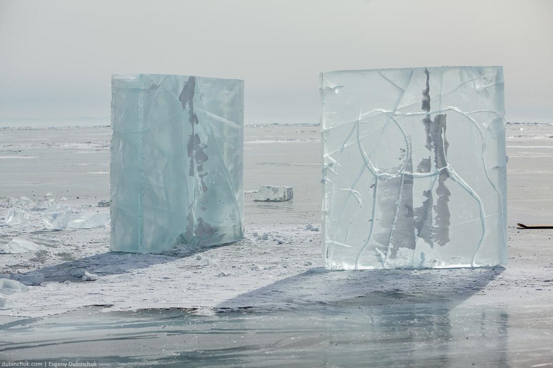 Вырезание скульптур ледяных лошадей. Бугульдейка. Эскизы. Путешествие по Байкалу на коньках