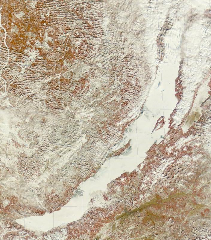 Спутниковый снимок Байкала. Озеро в снегу