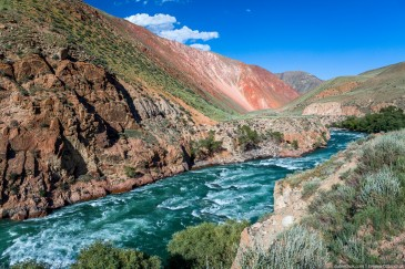 Rapid river Kekemeren, Tien Shan mountains, Kyrgyzstan