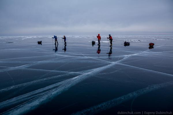 Чистый лёд Байкала. Поход по Байкалу на коньках зимой. Pure ice of Baikal lake in winter. Ice skating tour