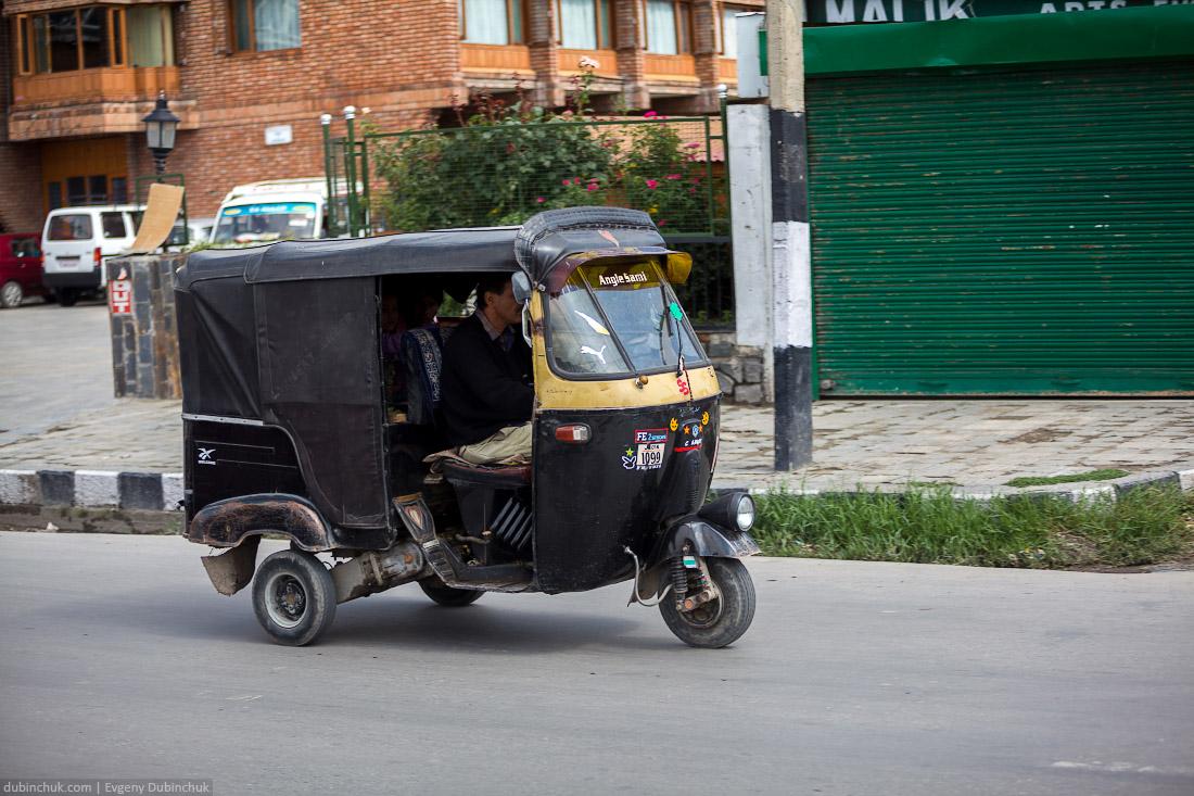 Рикша в Индии. Шринагар