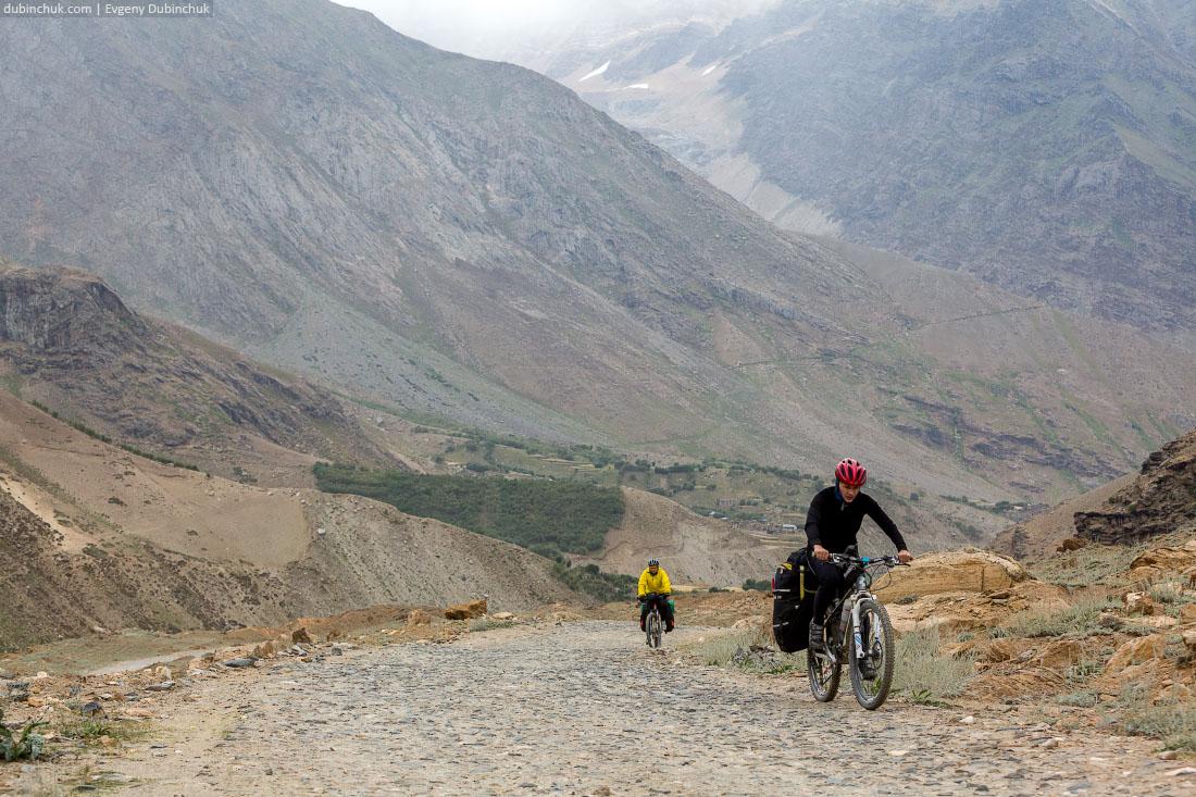 Горная дорога. Велопоход по Гималаям
