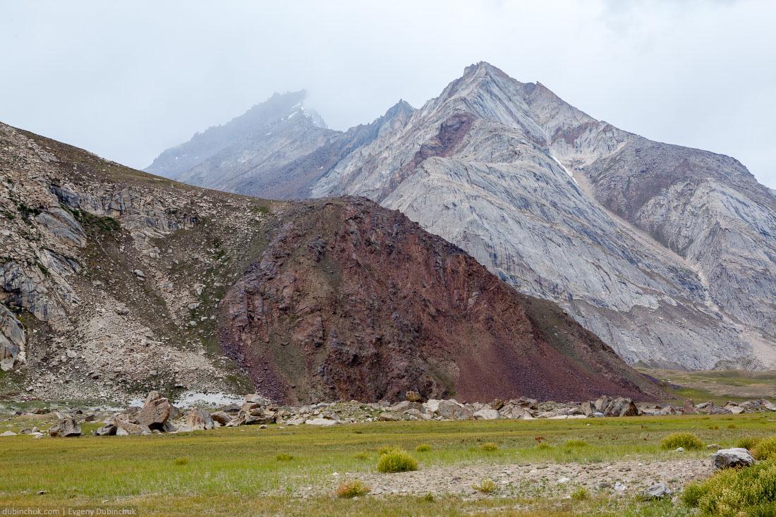 Горы разных оттенков. Индия
