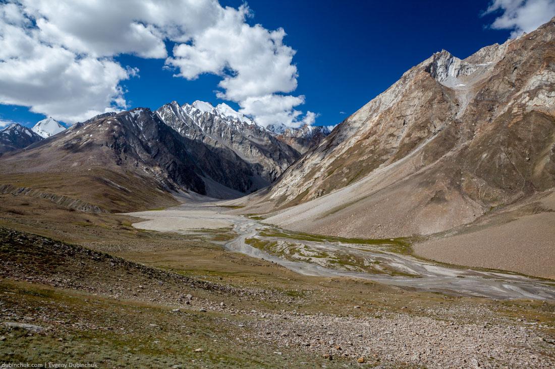 Горный пейзаж в Гималаях. Индия