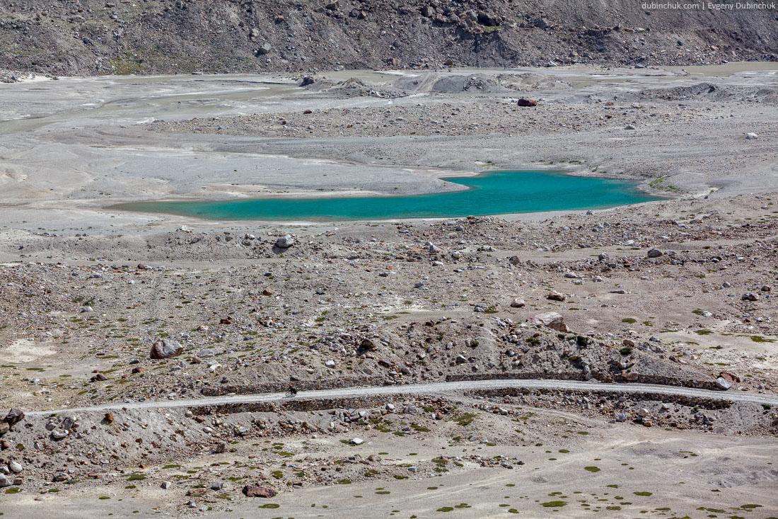 Озеро в Занскаре под перевалом Пенси Ла