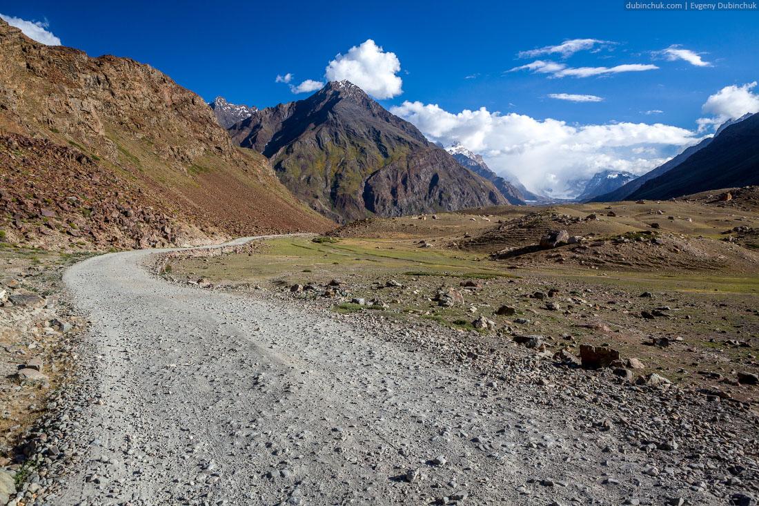 Каменистая горная дорога. Занскар, Гималаи