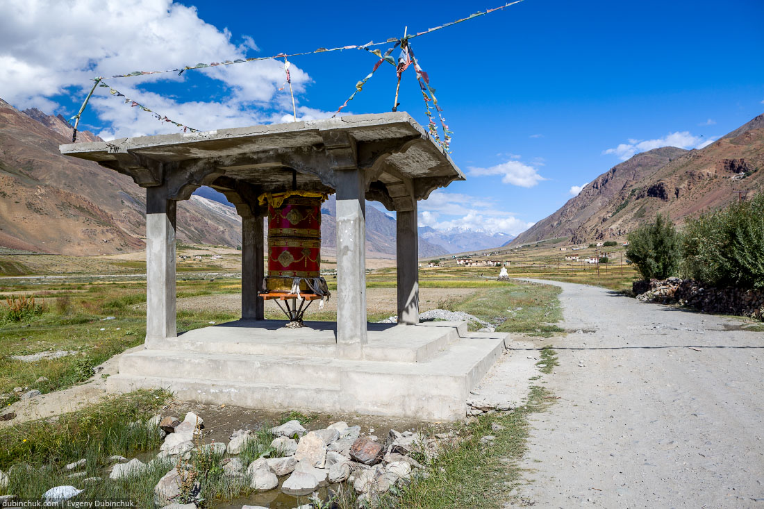 Тибетский барабан в деревне Манда. Ладакх