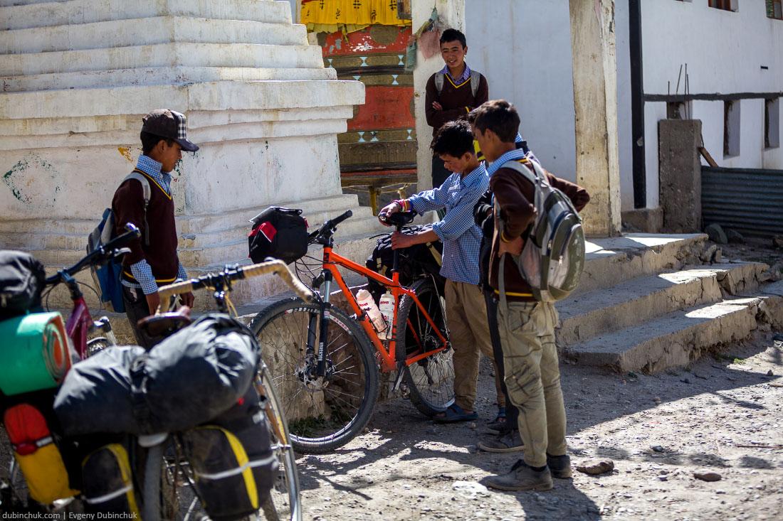 Школьники в Занскаре. Северная Индия