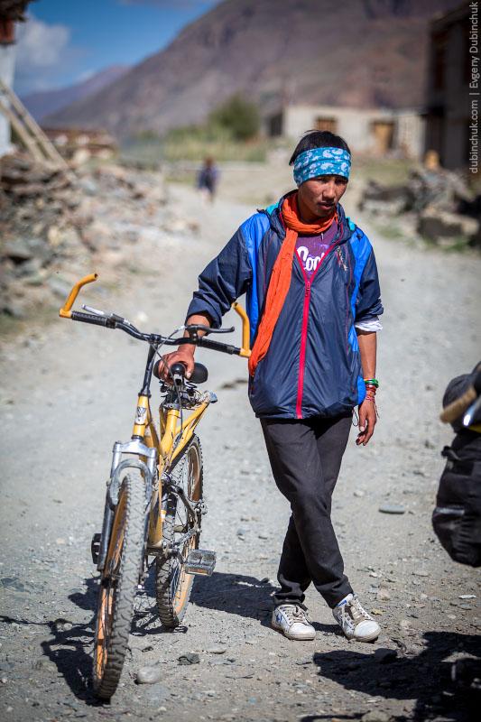 Занскарский велосипедист. Северная Индия, Гималаи