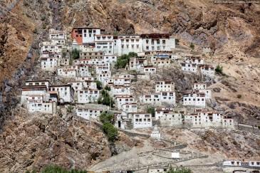 Курча Гомпа - буддийский монастырь близ Падума. Долина Занскар