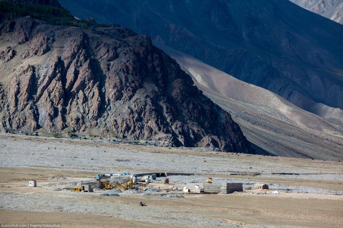 Рабочие. Занскар, Индийские Гималаи.