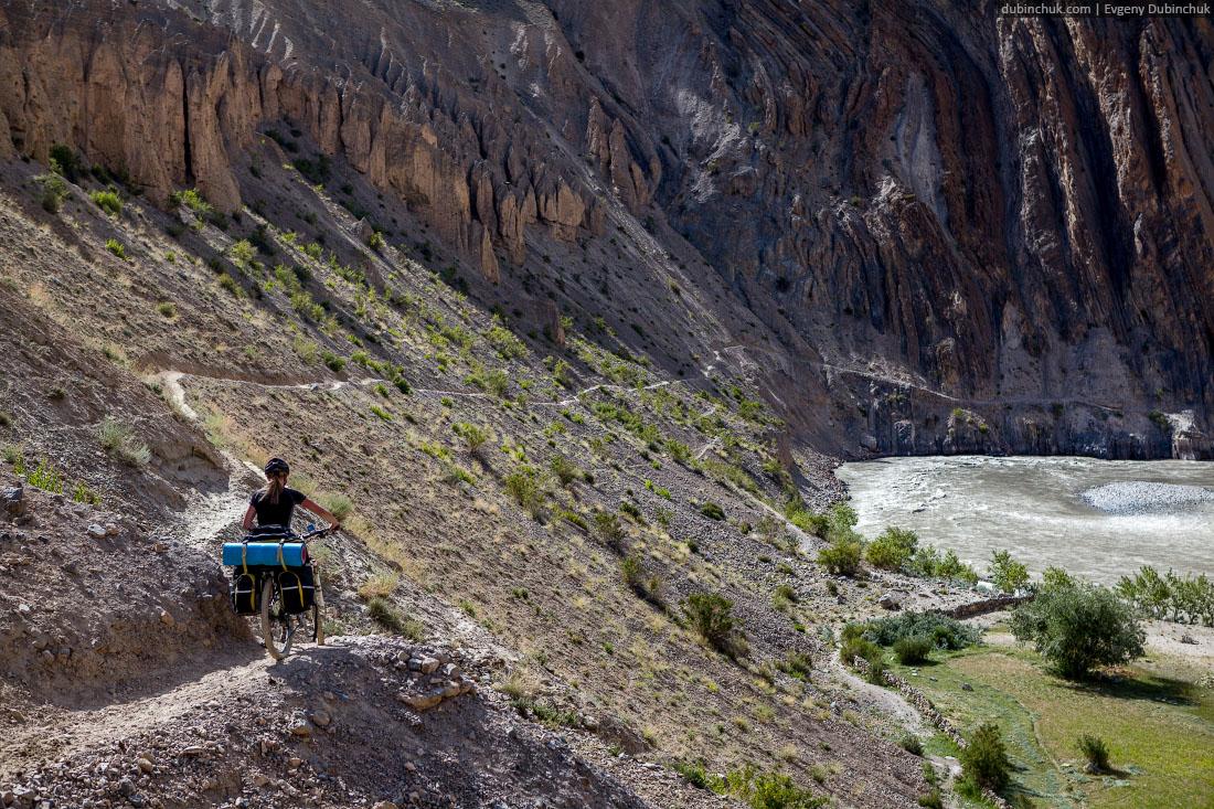 С велосипедами по тропе из Падума в Ламаюру. Занскар