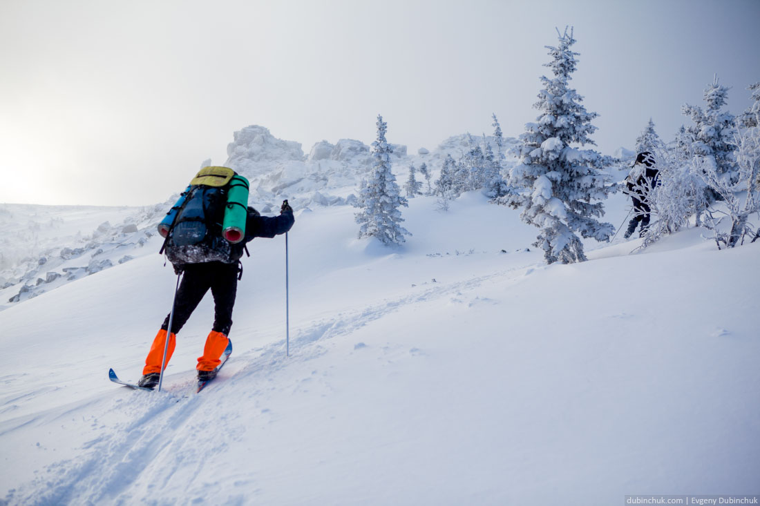 Лыжи соскальзывают на подъеме в сторону