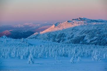 Южный Урал зимой. Закат. Вид на Малый Иремель