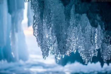 Сокуи в гроте. Мыс Саган-Хушун на Ольхоне, Байкал