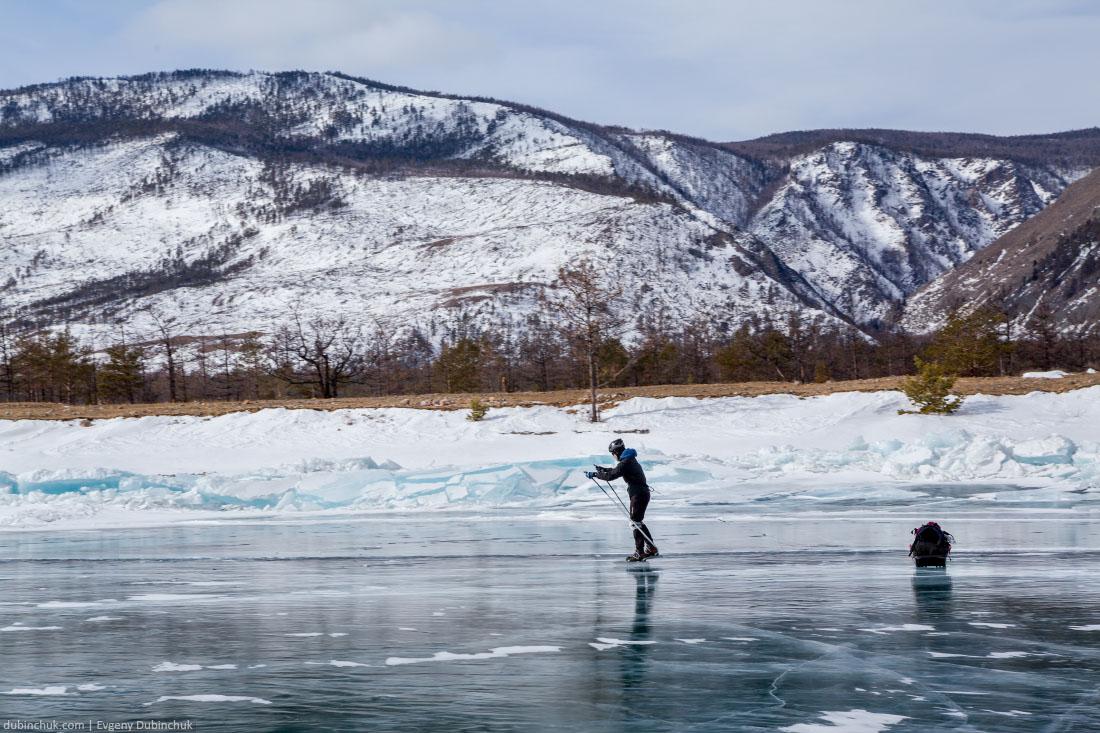 Путешествие на Байкал на коньках. Малое Море. Ice skating touring on lake Baikal in winter
