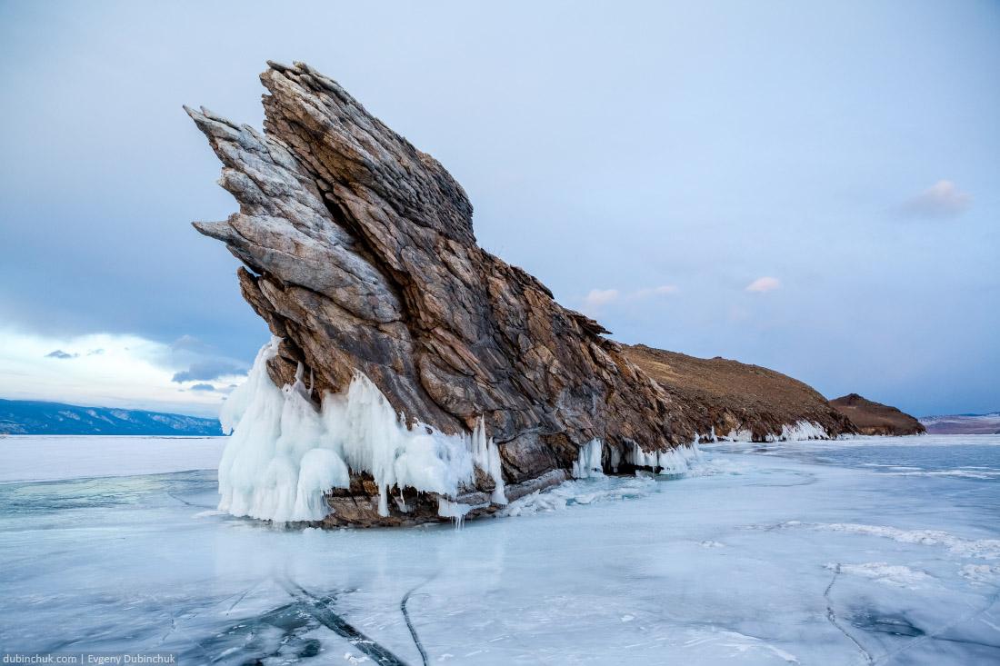 Зловещая скала на острове Огой зимой. Байкал. Ogoy island on lake Baikal in winter