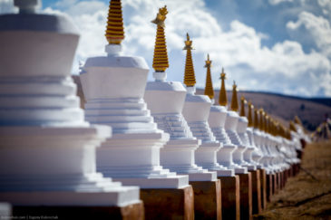 Buddhist stupas in Tibet